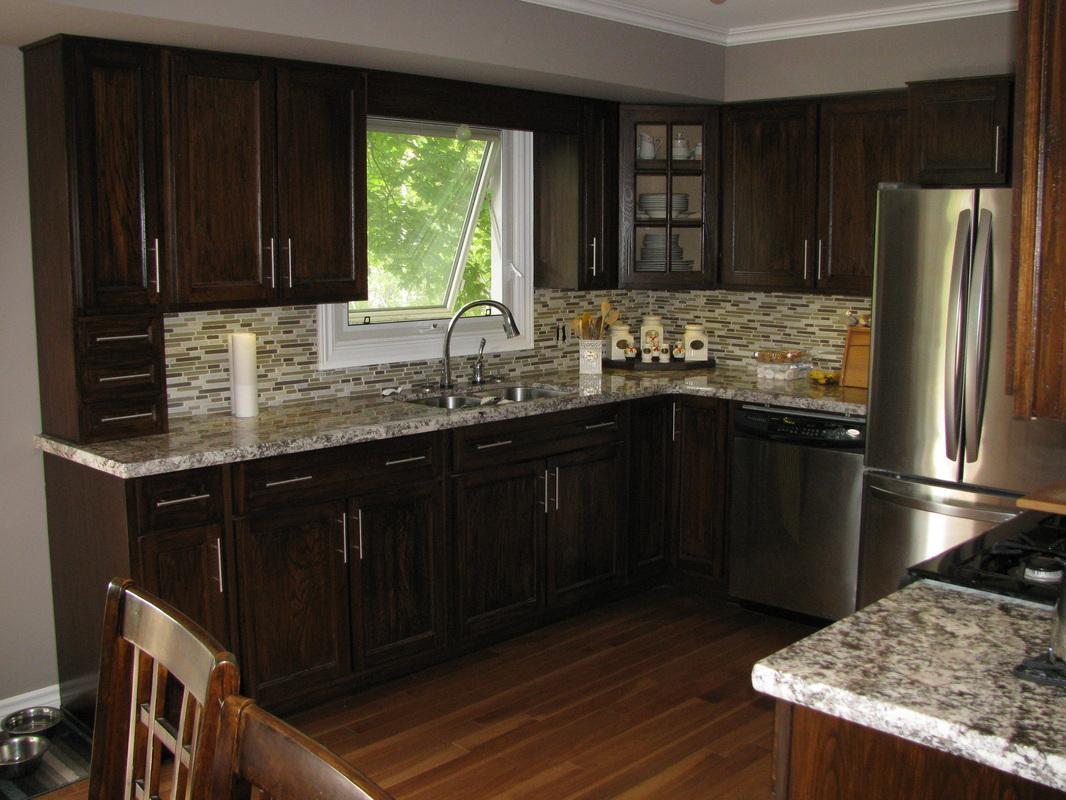 Dark kitchen cabinets with oak floors for Kitchen paint colors with dark wood cabinets